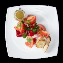 Розови домати с печен пипер и свежо сирене