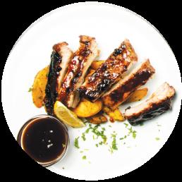 Маринови ребърца с  BBQ сос и пармезанови картофи